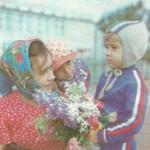 Доярка Н. Бимятова с сыновьями